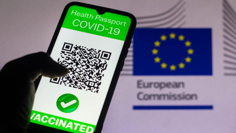 WHO odrzuciło paszport szczepionkowy dla podróżujących za granicę